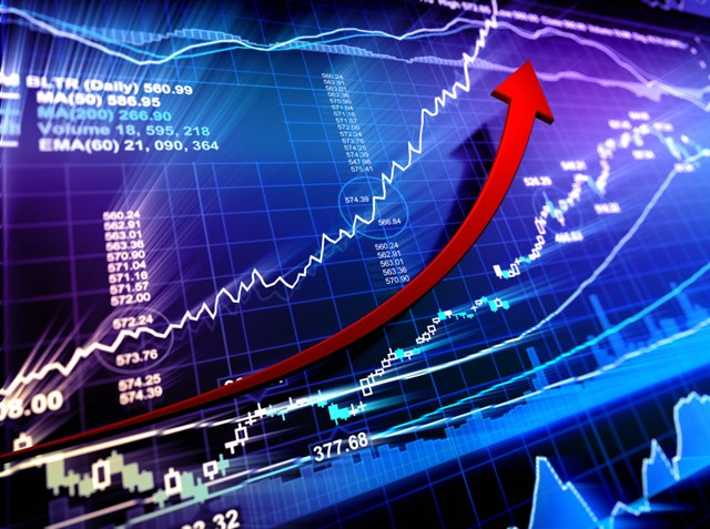 Chứng khoán sáng 1/8: Cổ phiếu dầu khí khởi sắc, VN-Index lên đỉnh cao mới