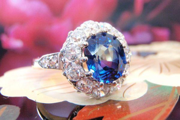 Xuất khẩu đá quý, kim loại quý sụt giảm mạnh