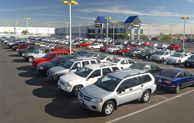 Thị trường ô tô Việt Nam năm 2017 tăng trưởng âm