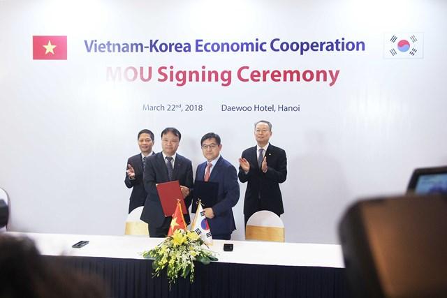 Ký kết nhiều văn kiện quan trọng thúc đẩy hợp tác Việt Nam - Hàn Quốc