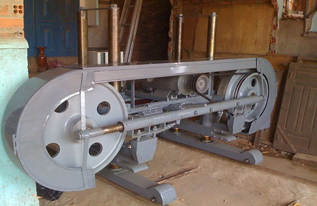 Doanh nghiệp Nigeria cần nhập khẩu máy cưa gỗ CD-6