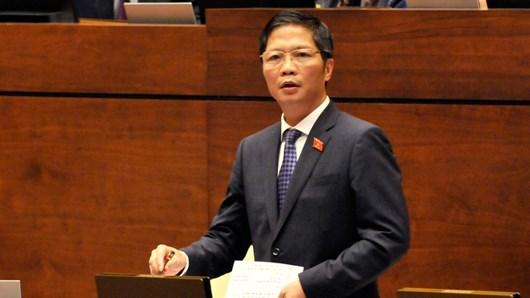 Bộ trưởng trả lời chất vấn về Phát triển hệ thống kết cấu hạ tầng thương mại