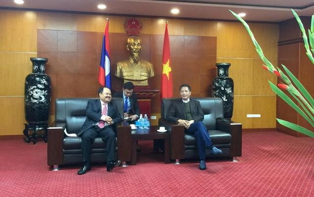 Bộ trưởng Trần Tuấn Anh tiếp Bộ Trưởng Bộ Năng lượng và Mỏ Lào