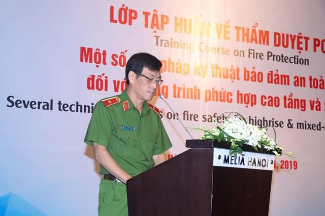 """Tập huấn """"Bảo đảm an toàn PCCC đối với công trình phức hợp và sân bay"""""""