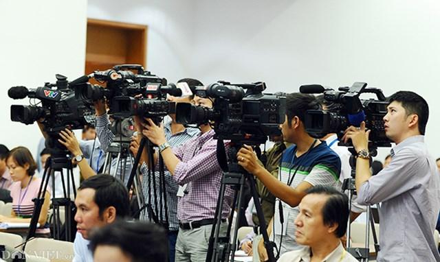 TT 30/2020/TT-BTTTT xếp lương âm thanh viên, phát thanh viên, quay phim