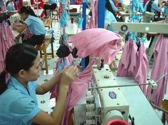 Nhập khẩu nguyên liệu dệt may, da giày quý 1/2021 tăng 17,5%