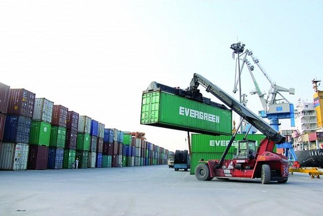 Xuất nhập khẩu khởi sắc, tăng gần 60 tỷ USD