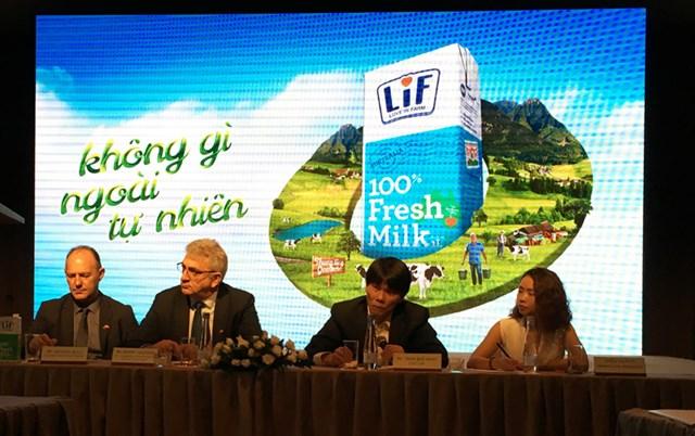 Đưa sữa tươi từ Australia về Việt Nam