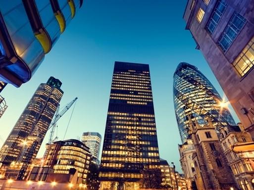 """Nhà đầu tư bất động sản """"tạm ngưng"""" giữa bất ổn chính trị toàn cầu"""