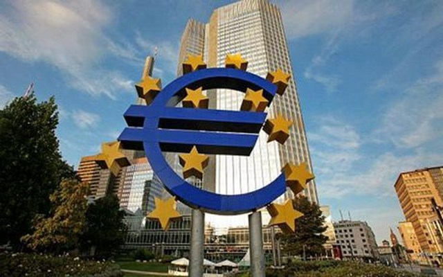 ECB tiếp tục giữ nguyên lãi suất cơ bản ở mức thấp kỷ lục