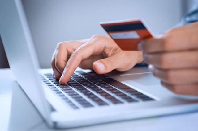 18 ngân hàng hoàn tiền trực tiếp cho người mua ngày Online Friday 2016