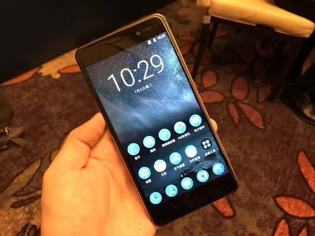 Trên tay Nokia 6: Smartphone đầu tiên của Nokia sau nhiều năm vắng bóng
