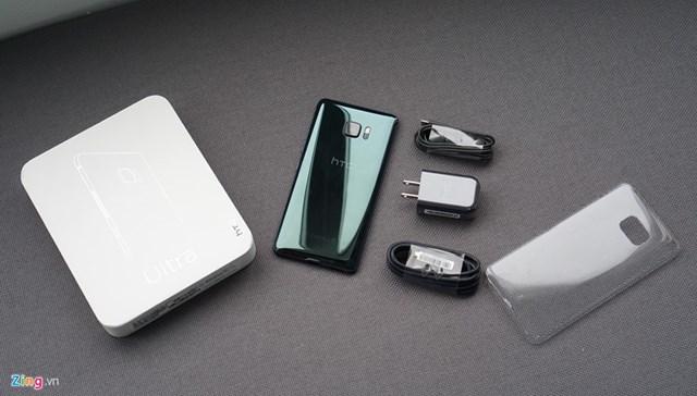 Mở hộp HTC U Ultra: Bom tấn đầu năm