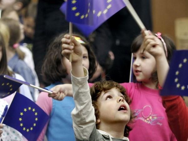 Cha mẹ có con là công dân EU được quyền cư trú hợp pháp