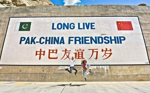 """""""Trật tự thế giới mới"""" của Trung Quốc (1): Đầu tư trên toàn cầu"""