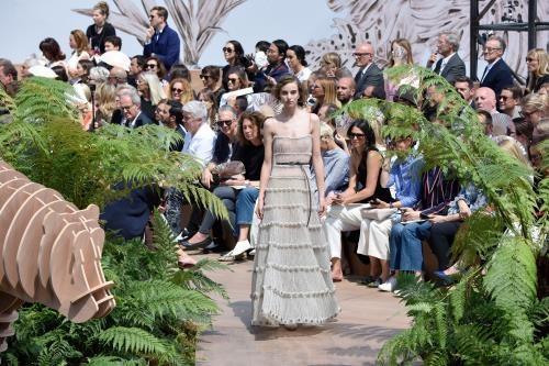 Dior 70 năm chinh phục làng thời trang toàn cầu