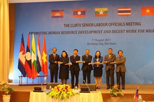 Thúc đẩy phát triển nguồn nhân lực và việc làm bền vững cho người lao động di cư