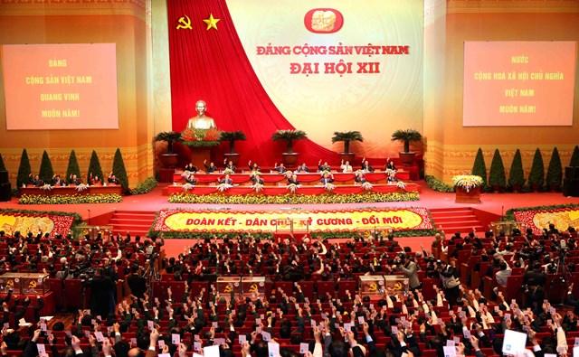 Bộ Chính trị ban hành khung tiêu chuẩn chức danh, tiêu chí đánh giá cán bộ
