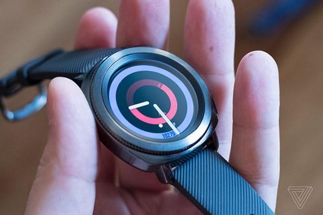Samsung ra mắt 2 mẫu đồng hồ thông minh mới