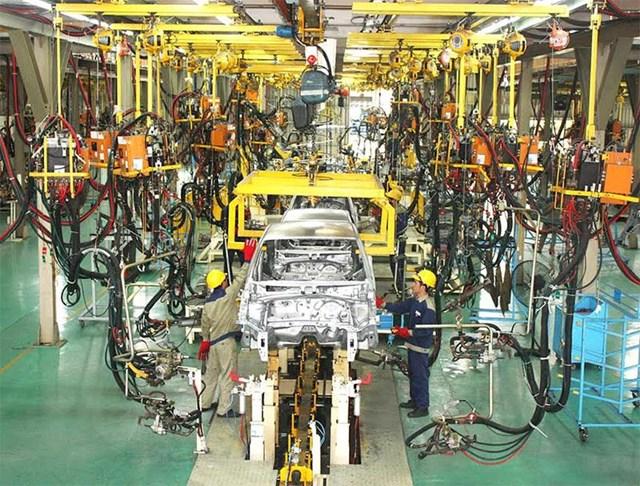 Tăng trưởng sản xuất của Trung Quốc nhanh nhất trong 5 năm