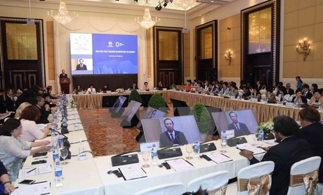Các thành viên APEC nên chú trọng đầu tư vào lĩnh vực dịch vụ