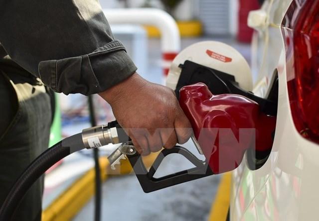 WB dự báo giá dầu mỏ có thể tăng lên 56 USD một thùng trong 2018