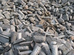 Giá quặng sắt thấp nhất kể từ 2013