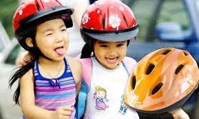 Mũ bảo hiểm trẻ em: Sức mua tăng vọt, hàng nội chiếm ưu thế
