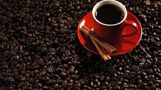 Cà phê arabica tăng, đường giảm do dự báo mưa ở Brazil