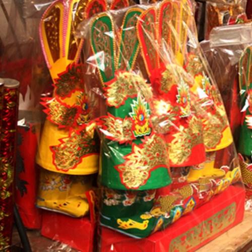 Thị trường vàng mã dịp Tết ông Táo: Đồ truyền thống hút khách