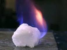 Giá khí gas tự nhiên giảm dưới 3 USD/mBtu lần đầu tiên kể từ năm 2012